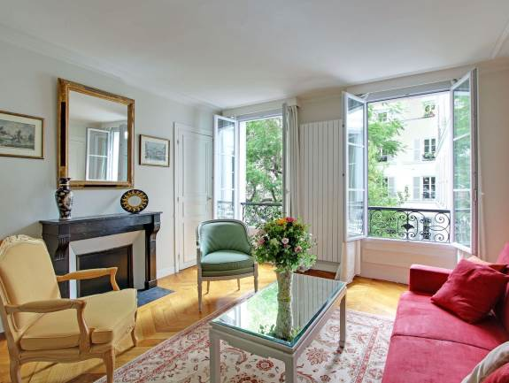 Garden2 Two Bedroom near Parc Monceau- Sleeps 6 View Virtual Tour - One bedr Apartment with Terrace and Parking – Sleeps 4