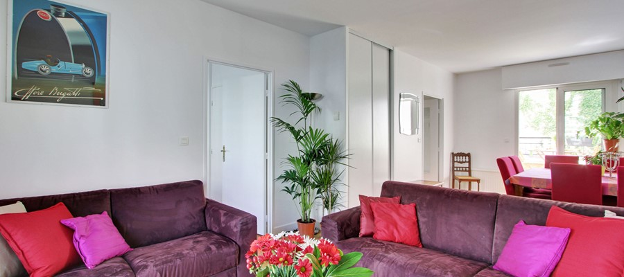 CANAL VIEW - One Bedr Apartment with Terrace & Parking - Sleeps 4