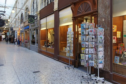 Shops in Passage Choiseuil